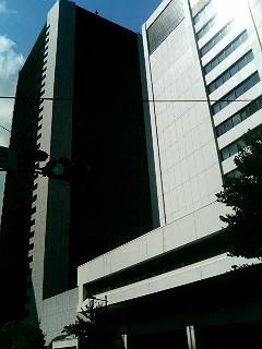 東京電力前